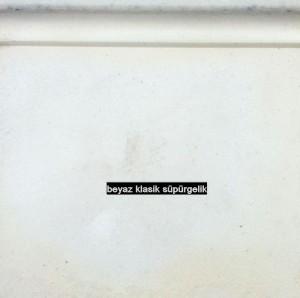 beyaz klasik süpürgelik