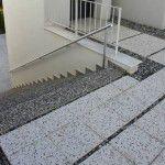 patineli terrazo ve wash beton basamaklar